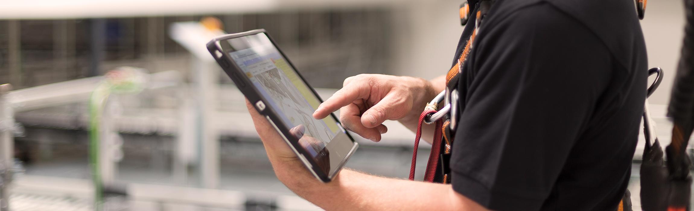 Die TGW Connected Warehouse Platform reichert Daten von TGW-eigenen Komponenten um jene von Drittanbietern an
