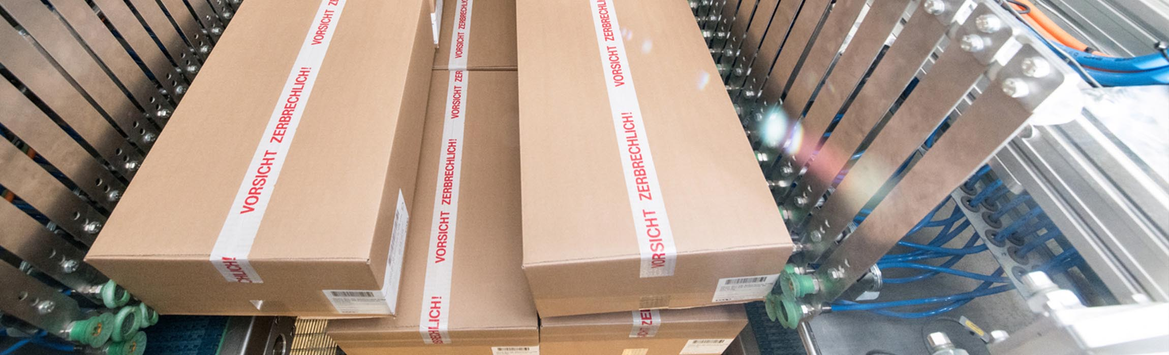 Systèmes de depalletisation: Destax est notre gamme de produits pour la dépalettisation partiellement ou entièrement automatique de grandes unités d'emballage.