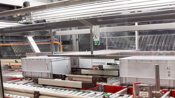Cognitive robotics and as well as machine learning form a fully automated picking solution.