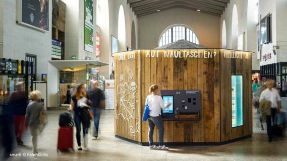"E-Grocery trend: shopping at an automated mini supermarket with ""Smarkboxes"" from the Start-up Smark (Stuttgart)."