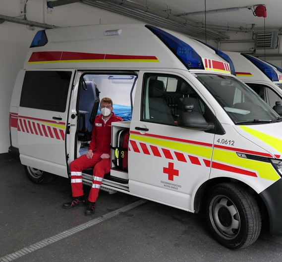 TGW Insights: Florian Kagerer helps with the Red Cross rescue service in his spare time.