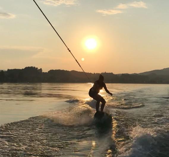 TGW Insights: Franziska S. beim Wassersport in der Freizeit.