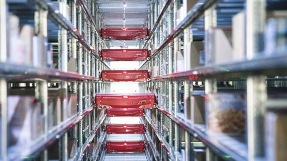 Coop minimises the total volume to be cooled through the use of automation and robots.