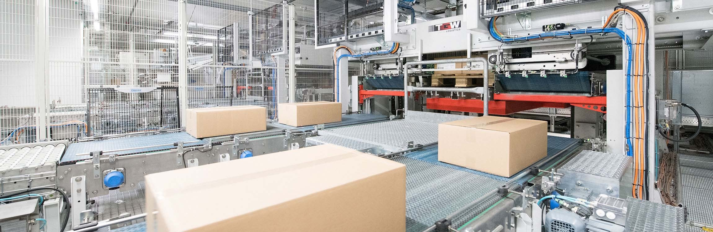 The fast, reliable and versatile intralogistics solution from TGW.